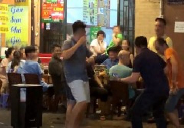 Dân mạng hả hê trước đề nghị dẹp karaoke bằng loa kẹo kéo