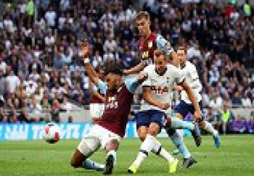 Harry Kane tỏa sáng cuối trận, Tottenham thoát hiểm trước tân binh Ngoại Hạng Anh