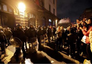 Italy phong toả đất nước vì Covid-19: Tù nhân bạo loạn, bắt lính canh làm con tin